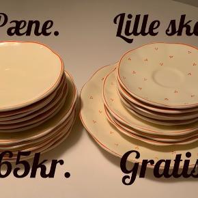 Fad, tallerkner ( frokost) Under tallerkner Lille skår i fad. 5 pæne frokost og 3 med lille skår  6 pæne undertallerkener og 5 med lille skår. Sælges samlet