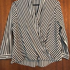 Stribet bluse fra Vero Moda, aldrig brugt