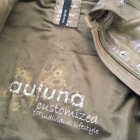 Fed skjortelignende jakke i lækker lammeskind med mange detaljer