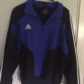 Super sprød vintage Adidas Jakke Size L Min: 150 Bin: 300kr