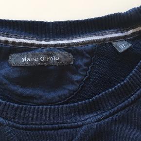 Marc O'Polo sweatshirt str 152  Har et lille hul. Se billede.  Fra ikke rygerhjem