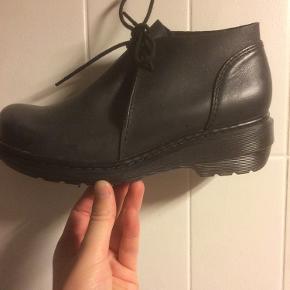 Unik dr. Martens støvle brugt meget lidt