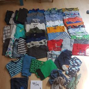 Masser af tøj der er klar til mere leg, i den pæne ende af gmb.  Str hedder 98 eller 98/104