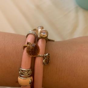Endless Jewelry armbånd lyserød læder. Alle vedhæng medfølger og er ægte sølv.
