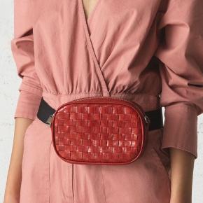 Helt ny håndlavet åleskinds læder bæltetaske med justerbar strap