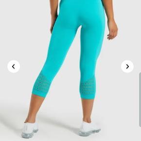 Vildt fede tights fra Gymshark, som jeg desværre aldrig har fået taget i brug. Derfor overvejer jeg at sælge dem. De er totalt udsolgte på hjemmesiden og nyprisen var 450 😊