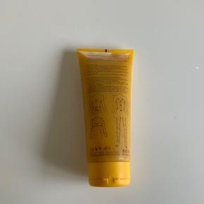 Decléor 1000 Grain Body Exfoliator 200 ml. Ny. Sender gerne på købers regning