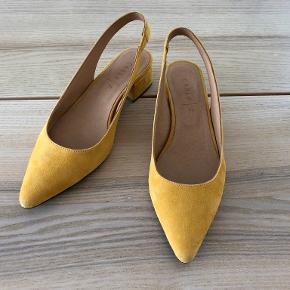 Carla F heels