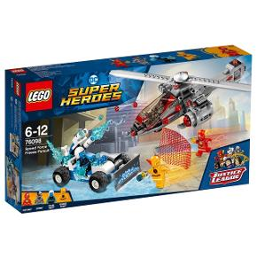 I uåbnet æske Lego 76098