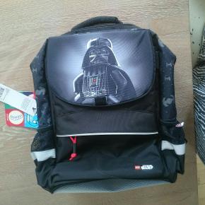 Lego starwars skoletaske Nypris 599,-  Sendes ikke