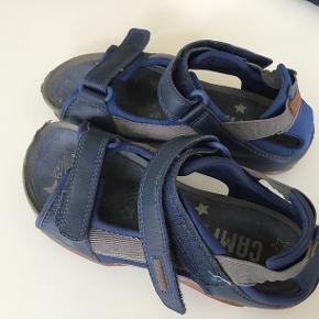 Super dejlige sandaler. Godt brugt, men kan sagtens klare endnu en sæson.