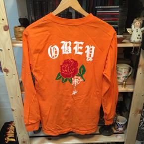 Langærmet Obey trøje sælges!! Brugt få gange - størrelse S Nypris 350 kr