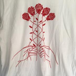 T-shirt fra Good Day club Næsten ikke brugt Str S