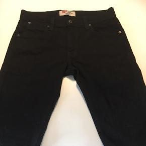 Helt nye jeans i str 30