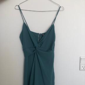 Rigtig flot buksedragt fra zara i turkisgrøn. Stadig med prismærke. 🌸