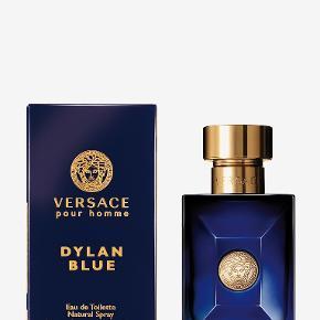 Versace Dylan Blue 30ml.  Få måneder gammel - ca. 50% tilbage