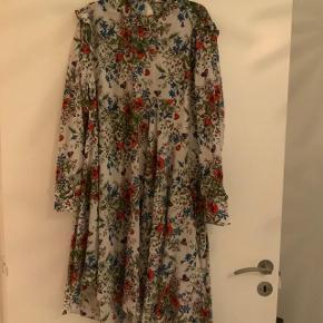 Smukkeste silke kjole