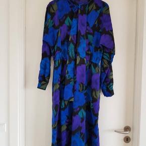 Smuk vintage kjole. Pris 200 inkl.