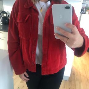 Lækker fløjls jakke fra Mads Nørgaard - fejler absolut ingen ting😊 købt for 1200