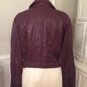 Imiteret læder Jakke fra H&M - Aldrig brugt ✨