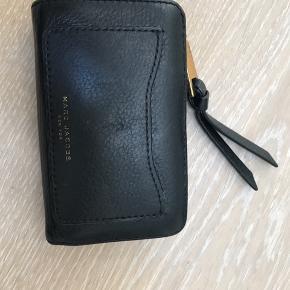Core recruit compact Wallet  Ingen fejl med hardware ser slidt ud Mål 14x9x4 cm Kvittering haves