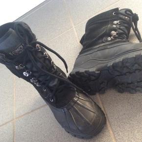 LaCrosse vinterstøvler.Sælges da jeg ikke får dem brugt