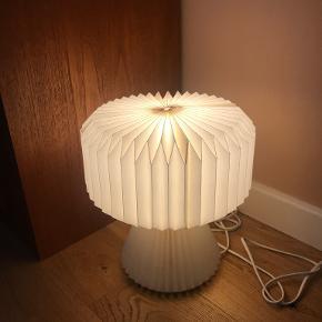 Notre Dame bordlampe