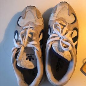 Adidas sneakers  Yung Str 41 1/3 #trendsalesfund Sko