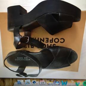 Nogle der sælger de her sko i en str 39?🌸skriv gerne pb