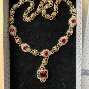 Unik smuk halskæde i kvalitet - ikke guld