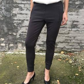 Lækre bukser. Giv et bud