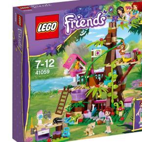 Dyretilflugts sted hedder sættet. LEGO nr 41059Samlet en gang. Fremstår som nyt. Alt medfølger. Undtagen orginal kasse.  Dyre hospital kaldes det på dansk.   LEGO friends Farve: MULTI Oprindelig købspris: 300 kr.
