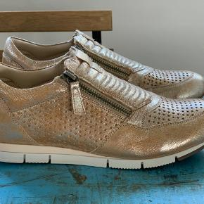 Bella Moda sneakers