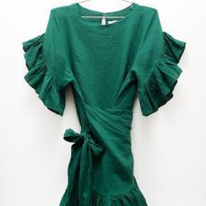 Sælger denne lækre Isabel Marant kjole, udelukkende fordi jeg ikke bruger den nok. Er nemlig helt vild med den.   Bud modtages gerne!