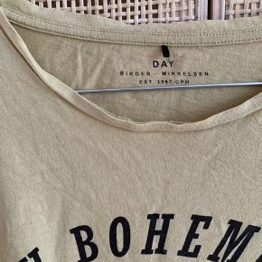 Rigtig flot T-shirt i godt kvalitet