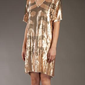 Brugt en enkelt gang Smukkeste paillet kjole
