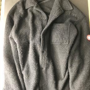 Sælger denne Cav Empt boucle wool jakke. Super clean! Str M, fitter L.