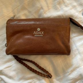 Adax clutch