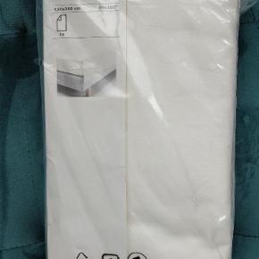 Helt ny senge lagen 150x260 cm købt i forkert størrelse  Købt flere af mine annoncer og for en god mængde rabat ❌