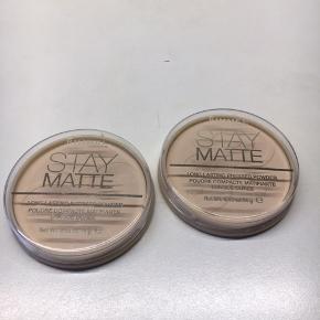 Long lasting pressed powder No: 001 transparent. 2. Stk. haves. Uåbnet