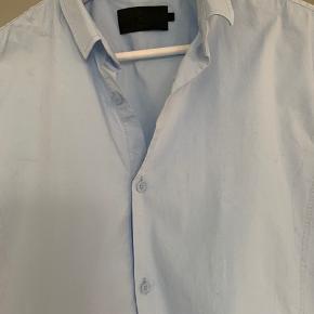 Vito skjorte. Str L. Ikke brugt.