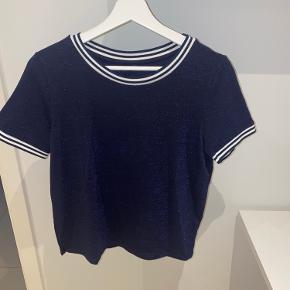 Only glimmer t-shirt  Aldrig brugt   BYD gerne  (Røgfrit hjem)