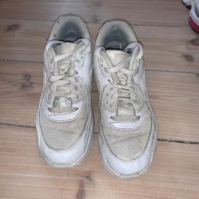 Nice hvide Nike sneakers