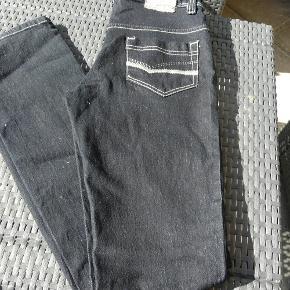 Købt i Bad Girls i Lyngby, aldrig brugt. Str 16 år. Style Ally.  Jeans - ALDRIG BRUGT - 16 år Farve: Blå Oprindelig købspris: 200 kr.