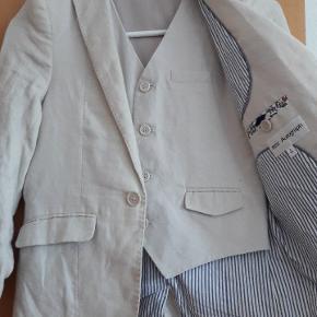 Flot Autograph (Marks & Spencer) habit jakke og vest i str 8-9 år.