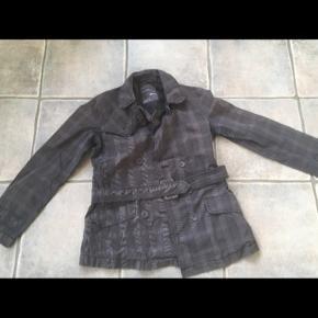Esprit jakke