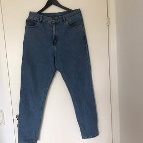 Dr. Denim cowboy bukser  Model: Nora retro sky blue 129 Brugt få gange og kun vasket en enkel gang