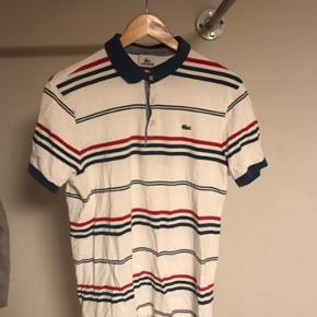 Polo trøje fra Lacoste. Fejler ikke noget