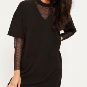 Missguided fishnet insert sleeve dress  Byd🖤
