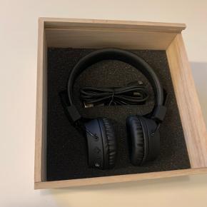 Er prøvet på, men bryder mig ikke om at have dem på, da jeg er vant til EarPods. Er modtaget som gave, så jeg har desværre ingen kvittering.